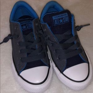 Converse kids shoes size 11